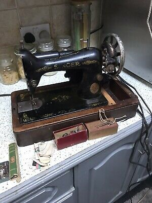 ANTIQUE SINGER 99K ELECTRIC 1912 SEWING MACHINE,CASED/KEY attachments