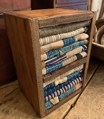 Divided Pine Box W/ Best Early Blue Brown Homespun And Lindsey Woolsey Textiles