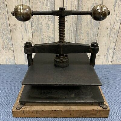 Superb Original Condition Large Antique Victorian Cast Iron Book Press