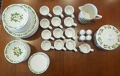 Portmeirion Summer Strawberries 12 Place Setting Dinner Set. (67 pieces)
