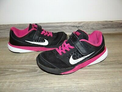 Girls NIKE trainers/ sport shoes/ comfy PE shoes Black/ pink size 1.5/ EU 33.5