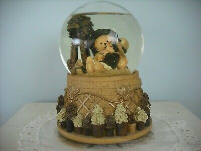 Avon Musical Snow Globe - Plays Theme From Love Story
