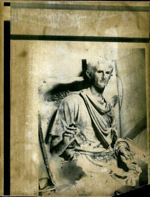 Vintage photograph of Statue: First Roman Emperor Augustus