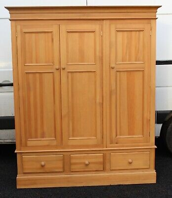1980s Large Pine Triple Wardrobe with Drawers (2)