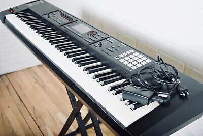 Roland FA08 keyboard synthesizer excellent condition-synth for sale FA-08