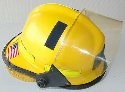 """Cairns 660C Metro Firefighter Helmet Yellow with 4"""" Tuffshield and Earlap EUC"""