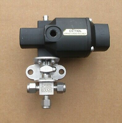 "Swagelok 1/4""  Stainless Steel Actuated 3 Way Ball Valve SS-42XS4-51S"