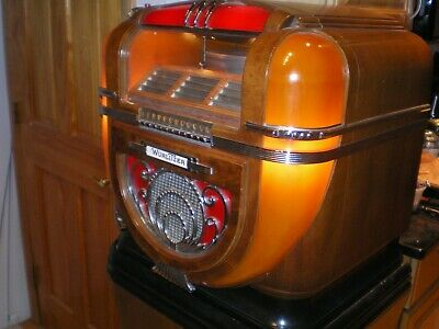 Wurlitzer Model 71 Counter Top Jukebox With Stand - Countertop - Excellent Works