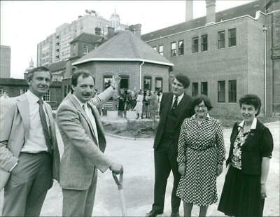 Vintage photograph of Clive Bamford introduces new radiotherapy unit