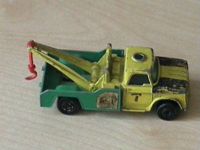 Dodge Wreck Truck Matchbox Series no 13 Made in England by Lesney