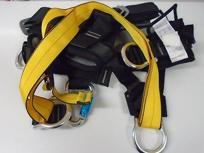 Extremely Strong Heavy Duty Full Body Fall Arrester Harness. Size M/L.