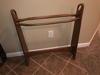 """Vintage Antique quilt rack blanket Towel Stand Solid Wood 30"""" w x 33"""" H 3 rungs"""