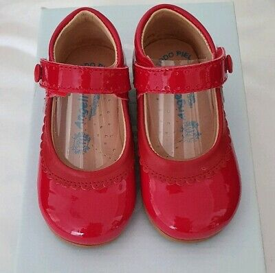 Spanish Red shoes ANGELITOS Size 20. Brand New