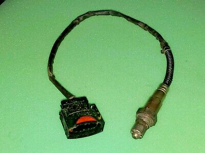 One New Bosch Oxygen Sensor Front 16065 for Cadillac Catera