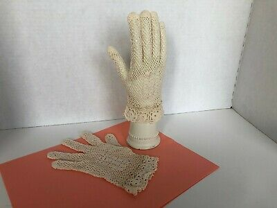 Vintage Hand Crochet Ladies Cotton Lace Gloves Ivory Bridal Easter