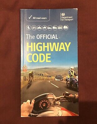 The Official DVSA Highway Code (2015) by Driver and Vehicle Standards Agency...