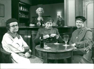 Victoria Wood in her film show scene. - Vintage photograph