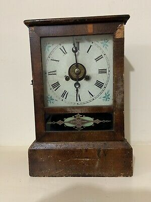 Vintage wooden Clockwork mantle clock - Working.