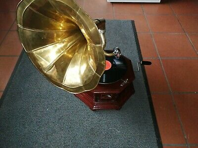 Altes Trichter Gramophone His Master`s Voice