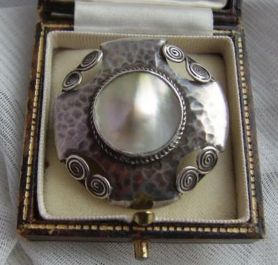Stunning Antique ARTS & CRAFTS White Metal Hammered Finish Pearl Brooch c1905