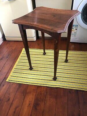 Arts and crafts, Early 20th century, oak, Occasional table, shaped top