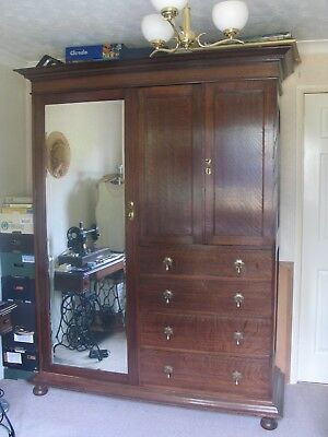Large Antique/Edwardian Oak Combination Wardrobe/Compactum/Armoire