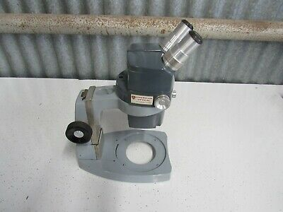 AO American Optical Stereo Microscope 560 Made In USA Good Condition