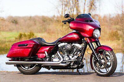 2016 Harley-Davidson Touring  2016 Harley-Davidson Street Glide Special FLHXS Many Extras! Velocity Red Sunglo