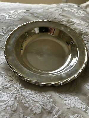 Beautiful vintage  Sterling Silver Twisted Bordered Towle 6 inch Dish Holiday