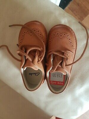 Girls Clarks Shoes Size 6G (never worn)
