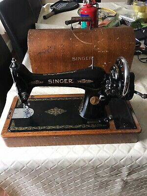 Semi-Industrial Singer 66K Handcrank Sewing Machine will sews Leather 1934