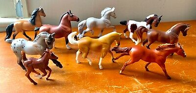 Lot Of 9 Breyer stablemates In Excellent Condition