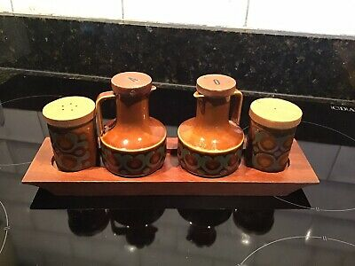 Bronte Hornsea Cruet Set On Wooden Tray Salt And Pepper Vinegar And Oil