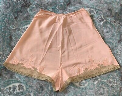 """Vintage 1930s Tap Pantie Rayon Lace Elastic Waist Up To 30"""" Rare Size"""