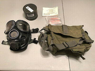 US Military M40 Gas Mask Pre-Owned Size M/L with sealed filter & bag