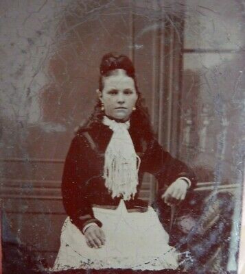 tintype portrait of girl     late victorian    5 x 6 cm   attractive one