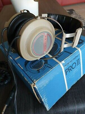Collectable Vintage Headphones (Realistic Pro-II)