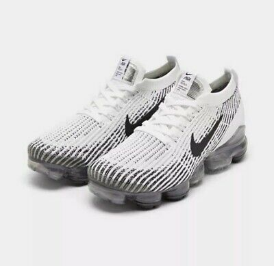 Nike Air Vapormax Flyknit 3 Running Shoes White / Black Sz 8 AJ6900 105