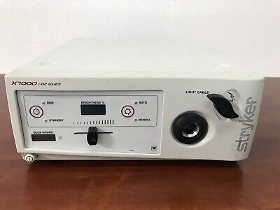Stryker Medical X7000 Light Source In Working Condition
