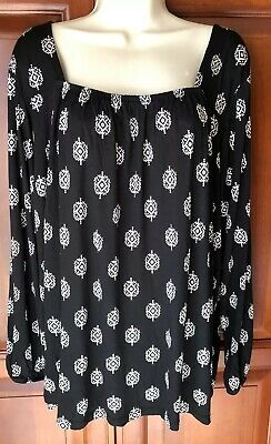 Womans Old Navy Size XXL Tunic Blouse Long Sleeve Open Back Black & White NWT