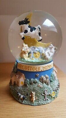 Leonardo Snow Globe.hey Diddle Diddle In Excellent Condition Clear Liquid