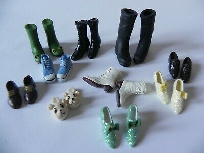 Doll House. Collection of Various Shoes .