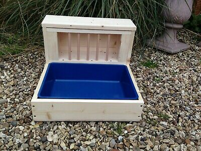 Rabbit Hay Feeder / Feeding  With Removable Litter Tray