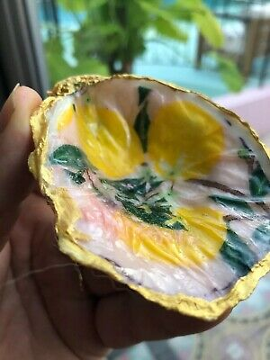 Oyster Shell Deco With Gold Flake That Just Paint , This Is A Great Gift -