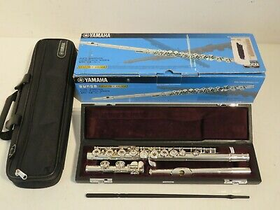 Yamaha YFL 472 Open Hole Solid Silver Flute in Mint Condition – Stunning