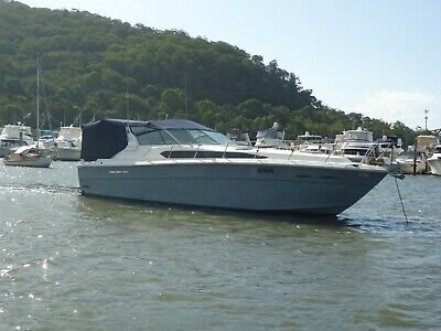 39' SEARAY EXPRESS CRUISER 1985 twin rebuilt Mercruiser engines with shaft drive