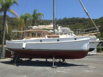 Timber Classic Motor Sailer 31' Built 1970 Volvo Penta Diesel Engine 1999 Model