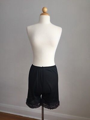 ADORABLE Vintage Black Nylon & Lace Half-slip Shorts Panties Lingerie SZ S
