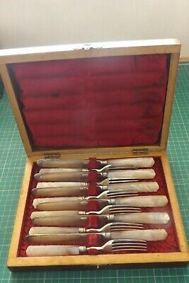 Stunning Cased Set Of 12 Silver Plated & Mother Of Pearl Fruit Knives & Forks