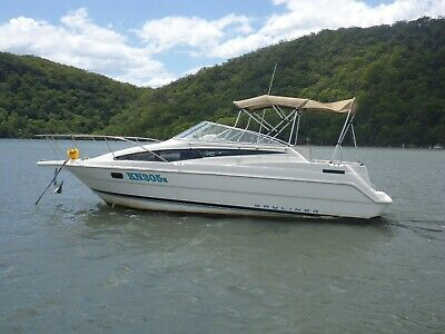 BAYLINER 2655 CIERA SUNBRIDGE single Mercruiser petrol engine with sterndrive.